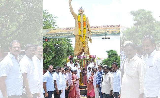 YSR Honored In Prakasam - Sakshi