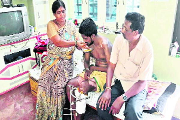 Help To Engineering student in Road accident - Sakshi