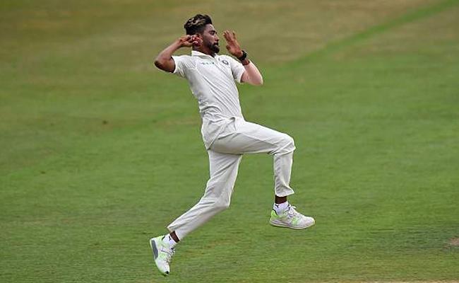 Shikhar Dhawan dropped for West Indies Tests - Sakshi