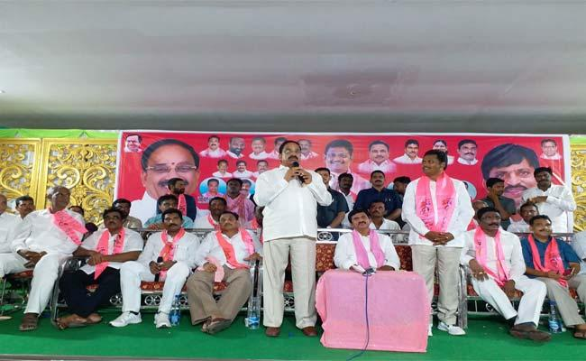 TDP And CPI Leaders Join In TRS Khammam - Sakshi