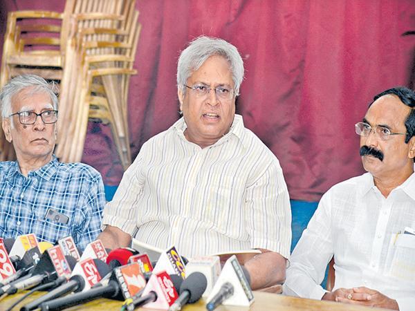 Undavalli Aruna Kumar comments on Amaravati bonds - Sakshi