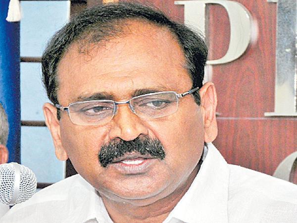 Bhumana Karunakar Reddy fires on Chandrababu Govt - Sakshi