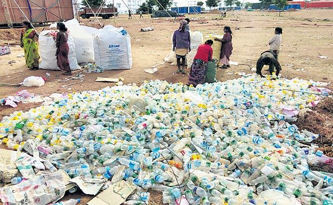 Garbage In Kongara Kalan - Sakshi