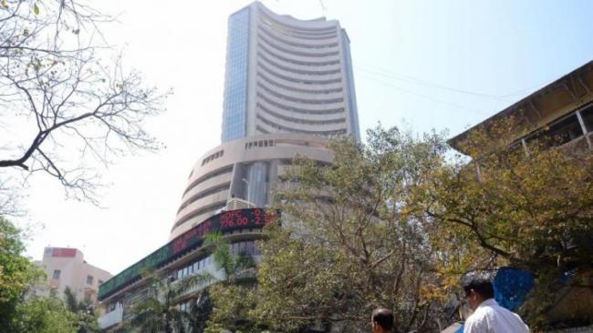 Weak Rupee, Higher Crude Hit Sensex, Nifty - Sakshi