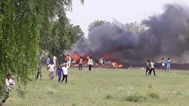 IAF Plane Crashes In Rajasthan Pilot Escapes Unhurt - Sakshi