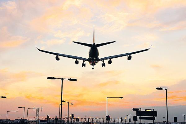 IndiGo offers 10 lakh seats at fares starting Rs 999 - Sakshi