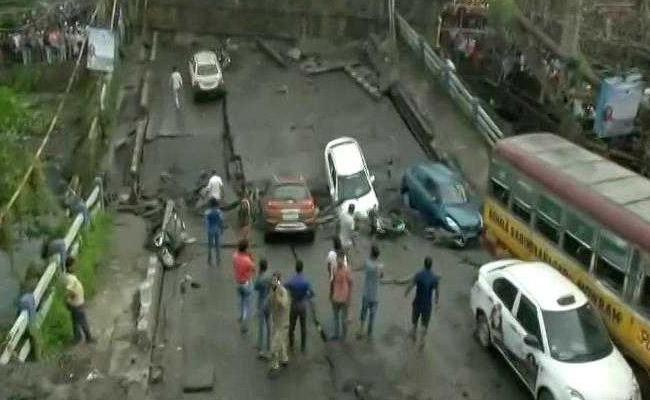 South Kolkata Majerhat Bridge Collapses - Sakshi