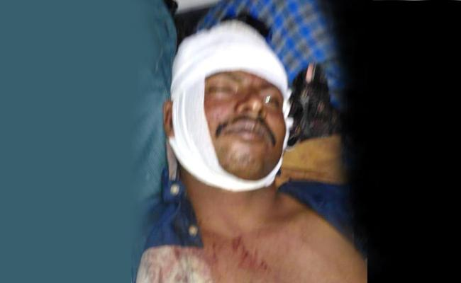 Tdp Leaders Murder Attempt On YSRCP Followers In Chittoor - Sakshi