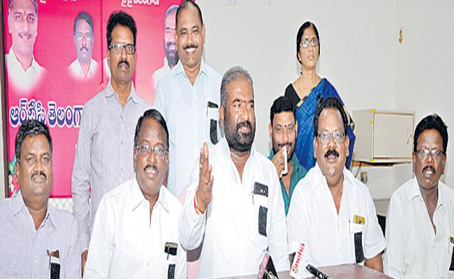 Cold War Among RTC Chairman And TMU Members - Sakshi