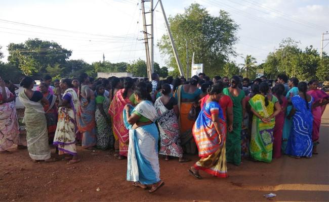 Sanitation workers Strike From 21 Days PSR Nellore - Sakshi