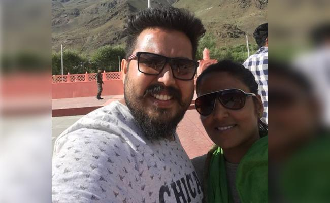 Tamil actor Wife Siddharth Gopinath commits suicide - Sakshi