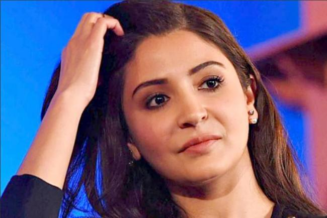 Anushka Sharma Promotes Google Pixel On Twitter Using iPhone - Sakshi