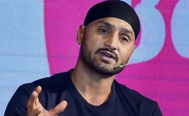 Harbhajan Singh Blames Ashwin For Series Lost Against England - Sakshi