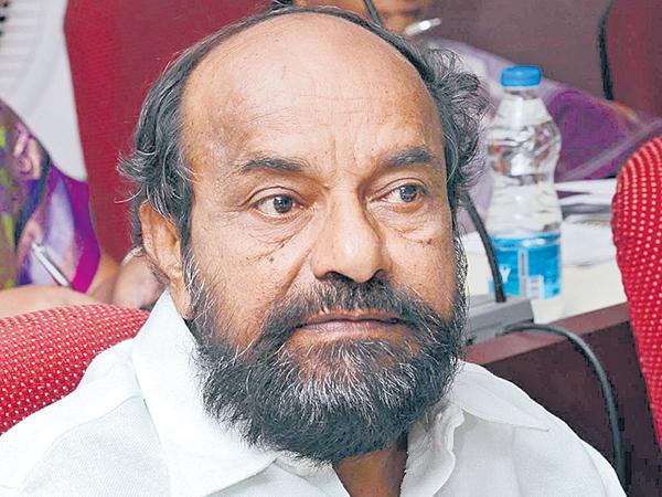 Krishnaiah comments on TRS Govt - Sakshi
