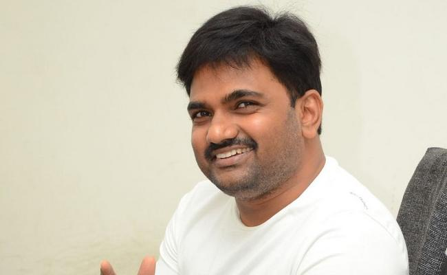 Maruthi Dasari Next Movie With Vijay Devarakonda - Sakshi