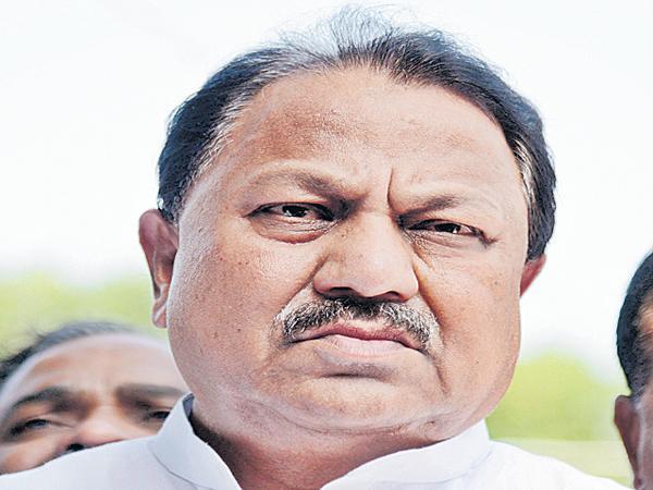 DS Srinivas letter to CM KCR - Sakshi