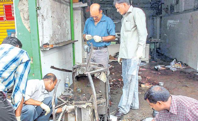 Riyaz Bhatkal Planned Serial Blasts In Hyderabad - Sakshi