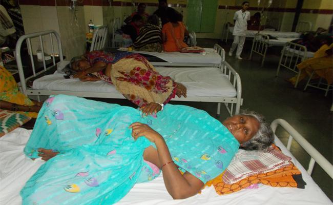 Guntur People Suffering With Viral Fever - Sakshi