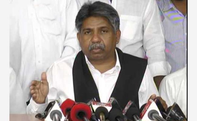 MRPS Chief Mandha Krishna Madiga Slams KCR In Somajiguda - Sakshi