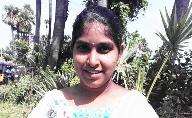 Student Happy For Meet YS Jagan In Praja Sankalpa Yatra - Sakshi
