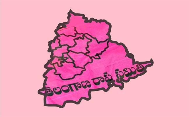 Telangana Early Elections Tensions Karimnagar Politics - Sakshi