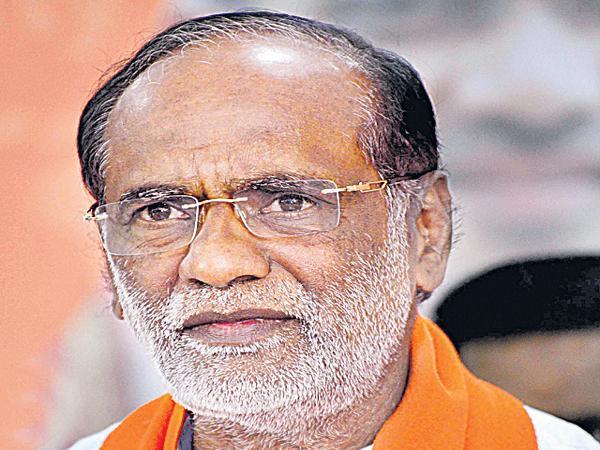 Laxman fires on TRS Leaders - Sakshi