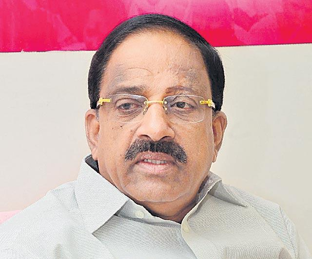 Minister Tummala Nageswara Rao Video Conference on Land acquisition - Sakshi