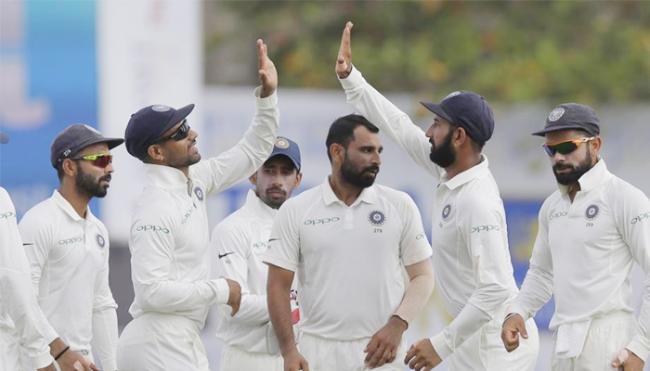 Sunil Gavaskar impressed with indian bowlers - Sakshi