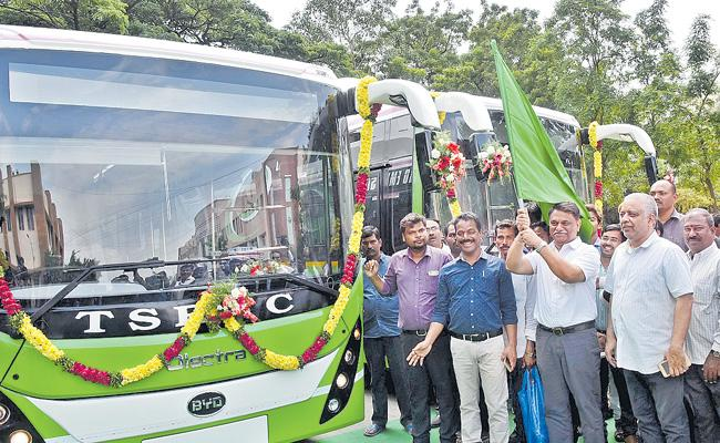 Electric Bus On Hyderabad Roads - Sakshi