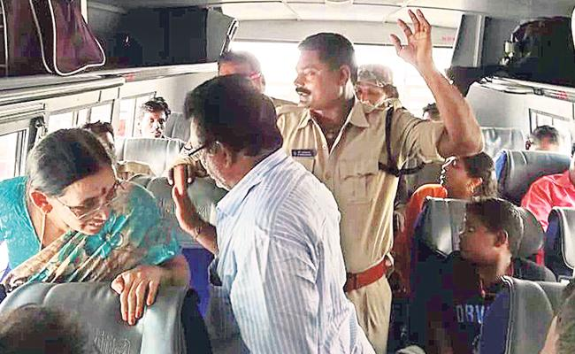 Constable Rough Behaviour In Guntur - Sakshi
