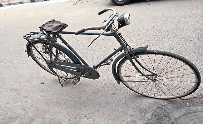 Bicycle Use In Nizam Time And Restrictions - Sakshi