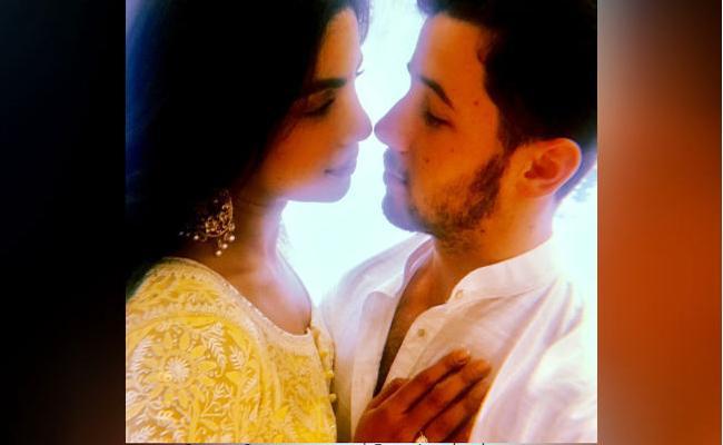 Nick Jonas Ex Girlfriend Olivia Culpo Comments On Priyanka Engagement - Sakshi