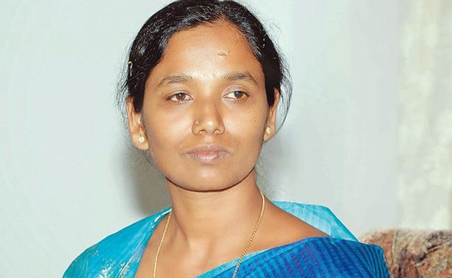 Threat To My Family From Parital Sunitha Said By Anantpur YSRCP Leader Mahananda Reddy - Sakshi