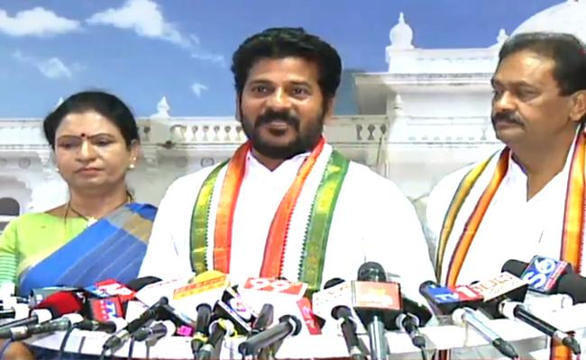 Assembly Dissolved : Congress Leaders Attack On KCR - Sakshi
