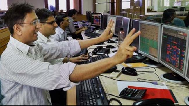 Rupee Recovery, Rally In Index Heavyweights Help Nifty Reclaim 11500 - Sakshi