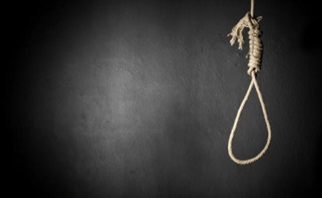 Young Woman Commits Suicide In Hyderabad - Sakshi