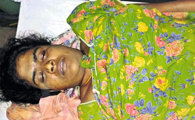 Woman Commits Suicide In KPHB Colony hyderabad - Sakshi