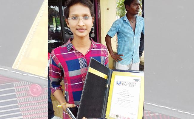 Karate Champion Meet YS Jagan In Praja Sankalpa Yatra - Sakshi