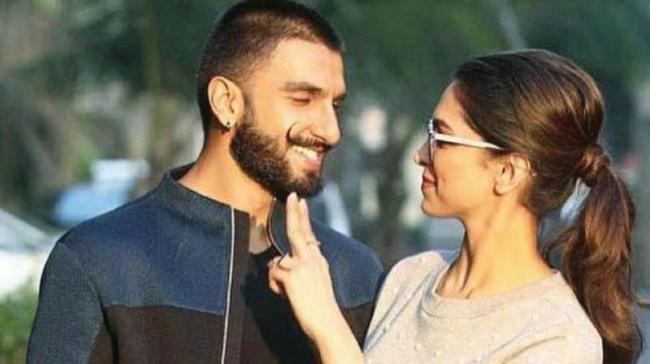Ranveer Singh And Deepika Padukone To Have Traditional Sindhi Wedding - Sakshi