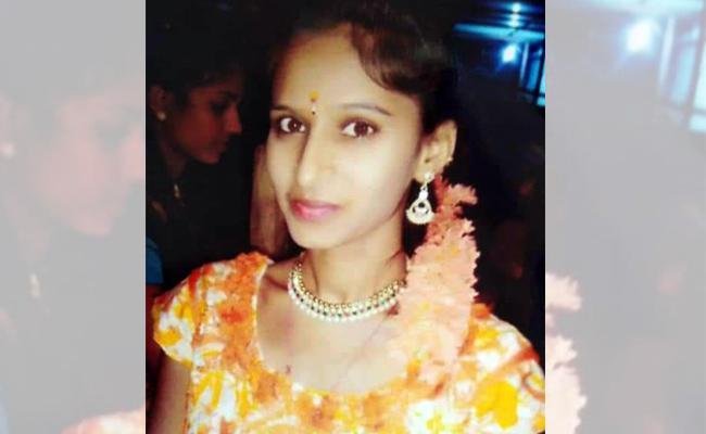 Woman Murder Mystery Reveals - Sakshi
