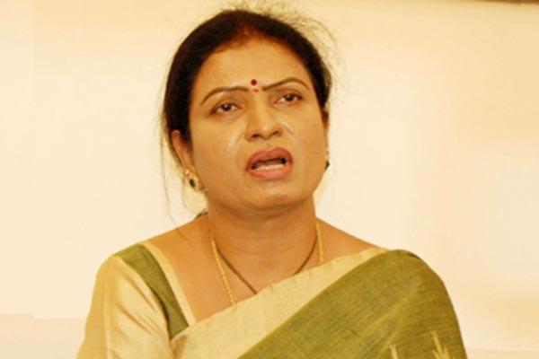 Dk aruna commented over kcr - Sakshi
