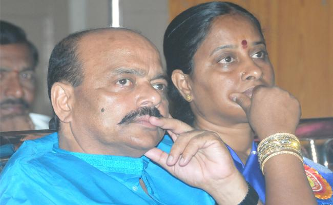TRS Party Strategy Behind Pending Konda Surekha MLA Ticket - Sakshi