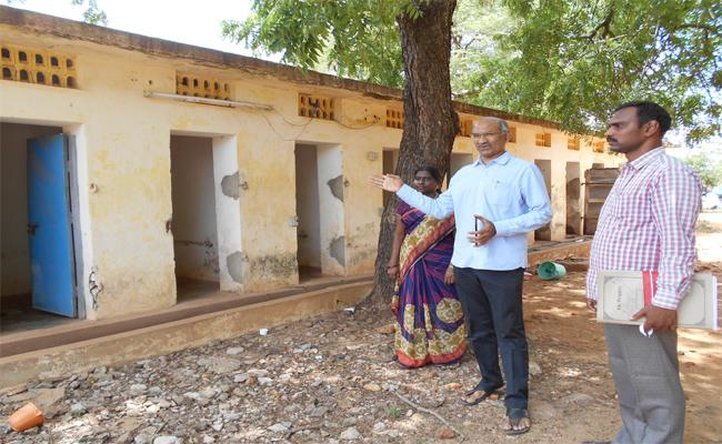 Vigilance Attacks On Welfare accommodation PSR Nellore - Sakshi