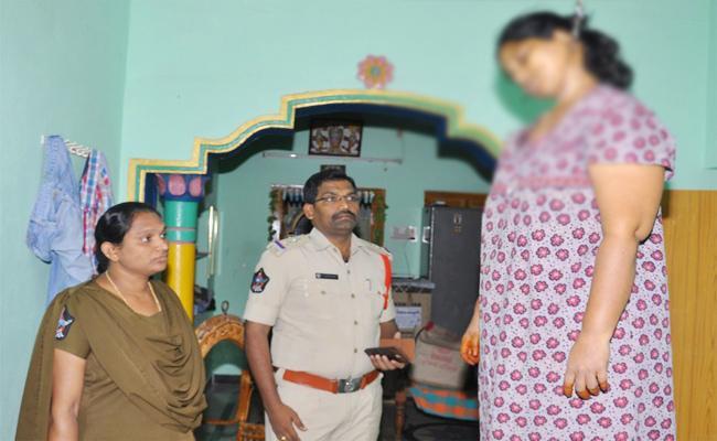 Married Woman Suspicious death In Prakasam - Sakshi