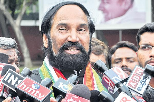 Uttam kumar reddy commented over kcr - Sakshi