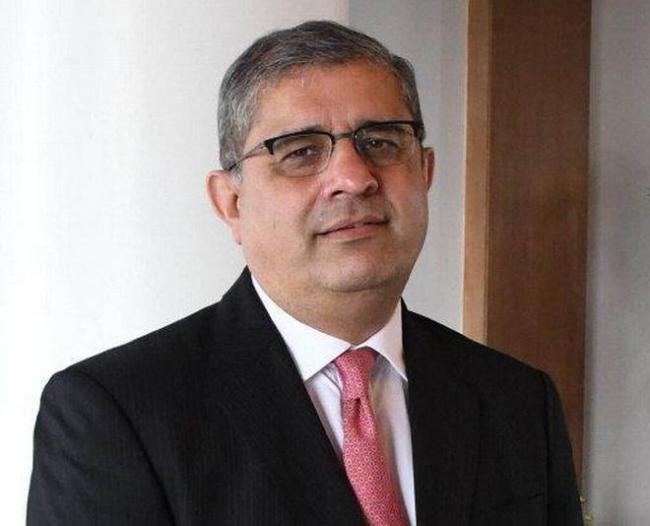 Amitabh Chaudhry Of HDFC Life Appointed CEO & MD Of Axis Bank - Sakshi