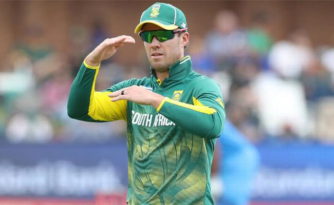 AB de Villiers set to feature in PSL 2019 - Sakshi
