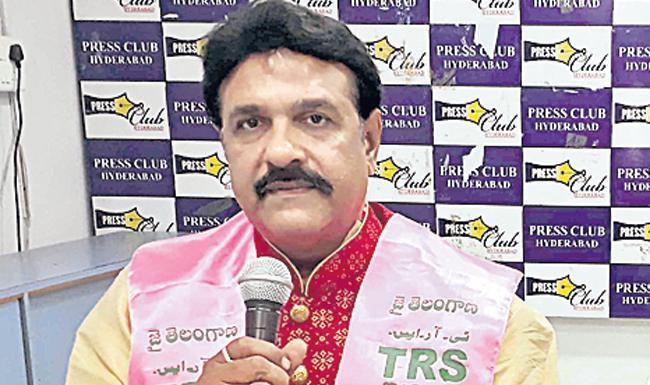 JL Srinivas Joins TRS - Sakshi