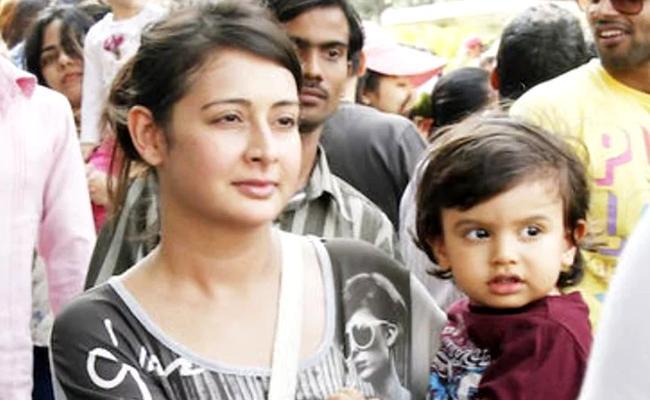 Heroine Preeti Jhangiani Lodges A Police Complaint - Sakshi