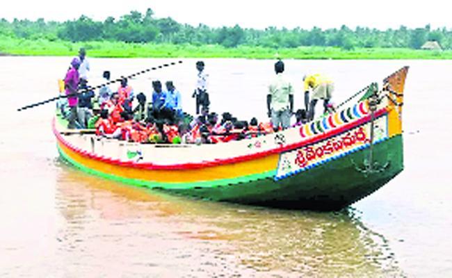 Boat Accidents In East Godavari - Sakshi
